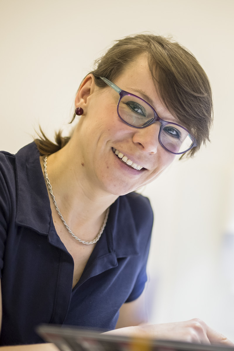 Dr. Elek Annamária